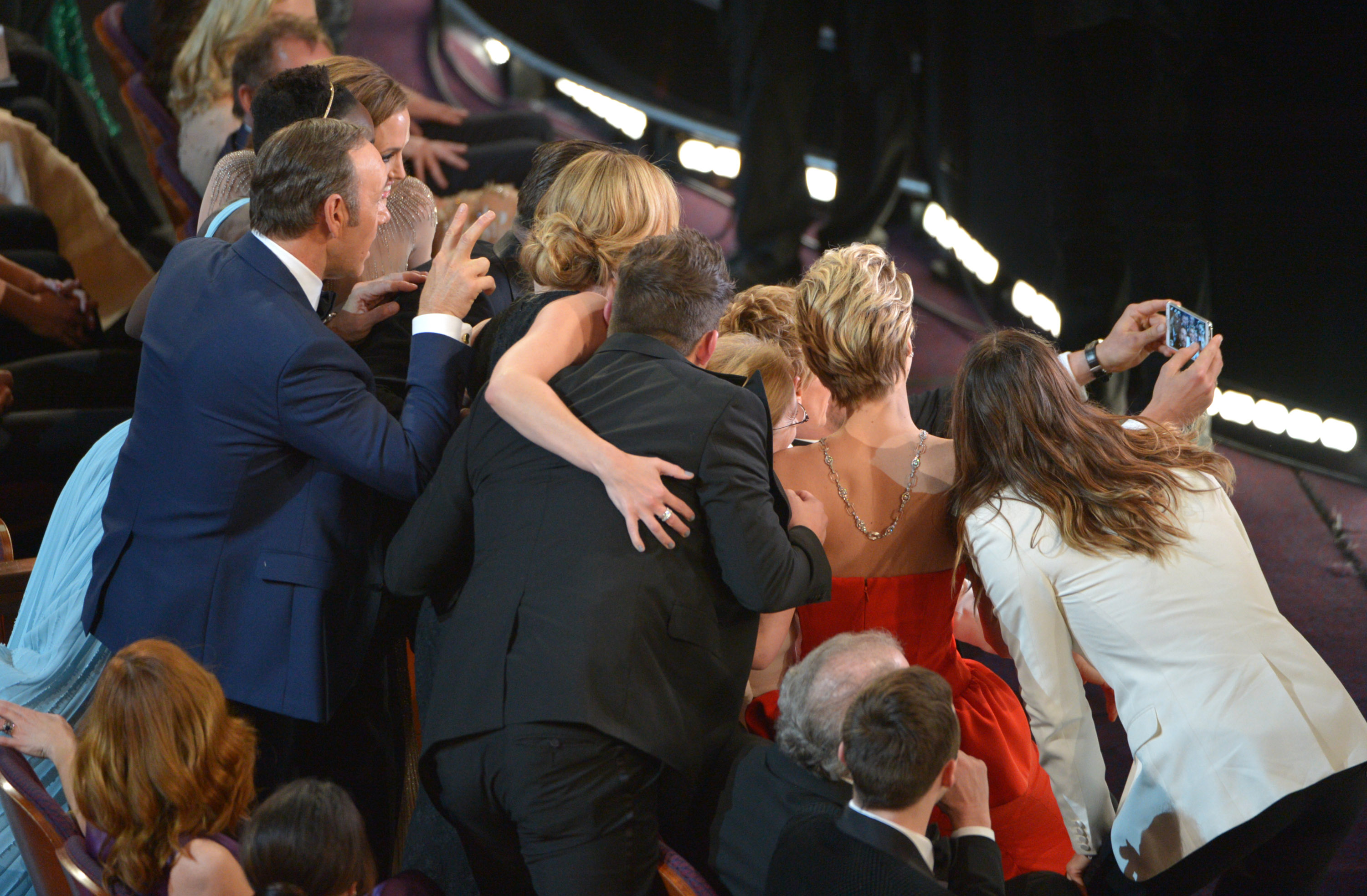 The Oscar for best selfie goes to …