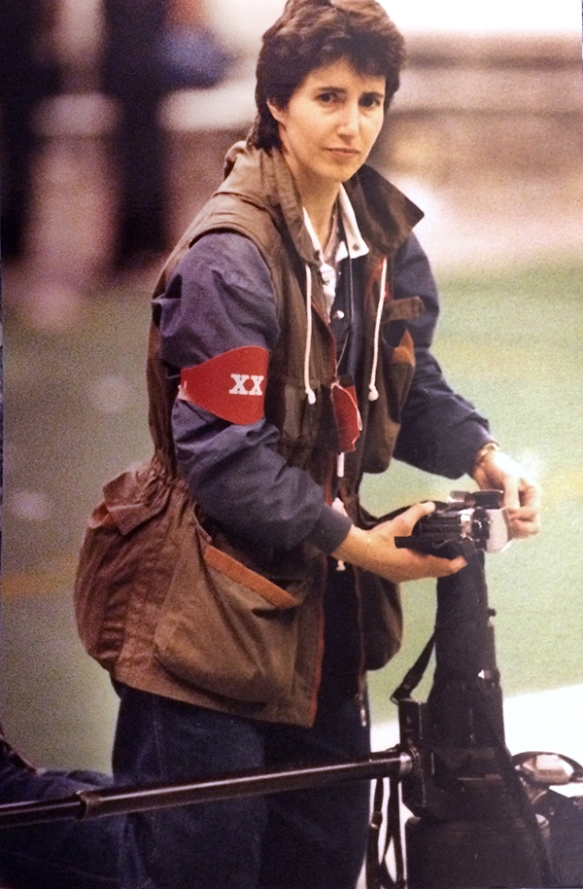 Boston-based photographer Elise Amendola on the field during the NFL Super Bowl XX football game Jan. 26, 1986 in New Orleans. (AP Photo/Amy Sancetta)