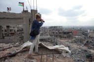 Heidi Levine in Gaza (Photo credit Ashraf Al Masri)